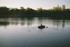 Rhine II (Nuuttipukki) Tags: light summer france river germany boot evening fishing sommer border rowing rhine rhein mosquitos kaiserstuhl insekten mcken abendstimmung jechtingen rhin ruderboot