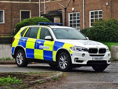 Warwickshire and West Mercia Police BMW X5 Operational Patrol Unit Armed Response Vehicle VX15 AFF, Coleshill. (Vinnyman1) Tags: uk england rescue west station television closed britain rugby united great police kingdom plate cctv number automatic gb bmw vehicle service roads emergency recognition wp circuit officer patrol warwickshire services coleshill response unit firearms armed 999 x5 authorised afo mercia rpu enabled operational policing arv opu aaz anpr vx15