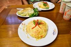 _DSC0054 (lnewman333) Tags: sea food dinner thailand restaurant asia seasia southeastasia bangkok egg padthai bkk thipsamai