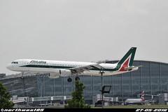 I-BIXM (northwest85) Tags: london plane hotel heathrow thistle landing airbus t5 runway lhr alitalia egll 09l a321112 ibixm