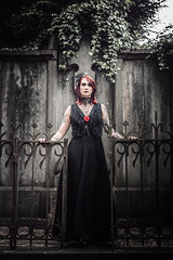 Shooting - Abysse 010 (Thomas Mathues) Tags: portrait cemetery graveyard dark model photoshoot mourning belgium belgique tomb gothic goth shooting widow gothique tombe cimetire modle hainaut