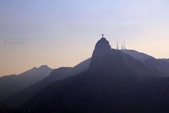 Cristo Rey (LEJZA) Tags: mountains azul brasil riodejaneiro landscape atardecer paisaje vista cristorey cristo far niebla lejos montaas bruma