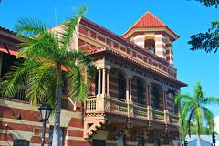 Key West (Florida) Trip 2015 0444Ri 4x6 (edgarandron - Busy!) Tags: building buildings keys florida keywest floridakeys duvalstreet