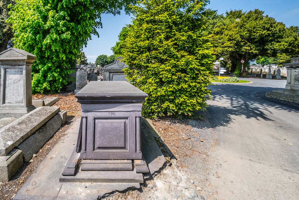 MOUNT JEROME CEMETERY AND CREMATORIUM IN HAROLD'S CROSS [SONY A7RM2 WITH VOIGTLANDER 15mm LENS]-117102