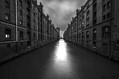 Hamburg Speicherstadt (alexpauen) Tags: city white black clouds 35mm evening abend nikon hamburg wolken nikkor 16mm weiss f4 schwarz speicherstadt warehouses langzeitbelichtung 1635 lzb