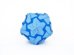 ? (masha_losk) Tags: paper origami squares symmetry foliage folded paperfolding modularorigami origamistar kusudama unitorigami