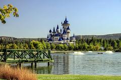 _MG_5982_1 (Ozcan MALKOCER) Tags: park travel tower castle water pool turkey photography pier boat trkiye eskisehir colorimage greenarea woodenpier fairytalecastle horizontalimage mg59821 sazovabilimvekultrpark eskiehir20120925