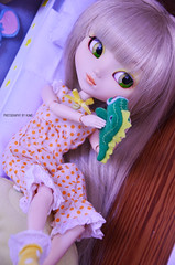 Playing with little Dino | Pullip Paja (Kumo~Milk^^) Tags: 2005 original doll stock groove pullip paja junplanning stockoutfit