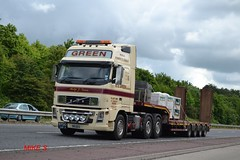 Volvo FH 'E.E. Green & Son Ltd' reg D8 EEG (erfmike51) Tags: lorry artic lowloader volvofh eegreensonltd