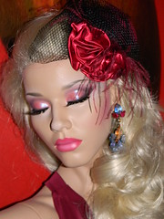 Decter Mannequin (capricornus61) Tags: portrait woman art mannequin window face shop female doll display feminine makeup indoor dummy figur collecting puppe sammeln fascinator decter