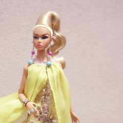 Poppy Camera Loves Her 06 (Belenojon) Tags: camera fashion toys mod doll her poppy loves 12 royalty parker integrity