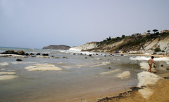 Scala_dei_Turchi_4905 (Manohar_Auroville) Tags: girls sea italy white beach beauty seaside rocks perspectives special scala sicily luigi dei agrigento fedele turchi scaladeiturchi manohar