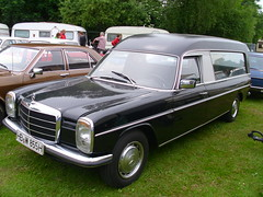 Mercedes-Benz /8 Bestatter (Pollmann) (Zappadong) Tags: auto classic car automobile 8 voiture coche mercedesbenz classics oldtimer oldie hearse carshow strich8 youngtimer 2016 automobil bockhorn pollmann leiche leichenwagen bestatter strichacht stricher oldtimertreffen zappadong