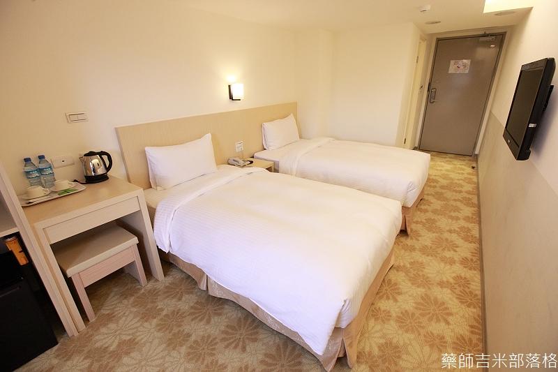 Green_World_Hotel_005