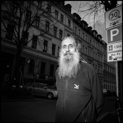 . (Martin Ritter) Tags: street portrait people blackandwhite analog candid streetphotography flashlight urbanlife pentaconsix