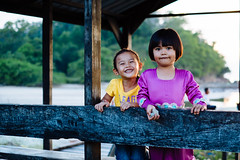I_13_2_Inderason-42.jpg (Mohd Shukur Jahar) Tags: life girls friends kids backlight children fun happy photography child emotion expression memory expressive hugs fujinon backlighting kudat relation fujifujifilm xpro1 xtrans dpsbacklight fujifilmxpro1