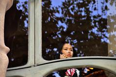 Batlò (battista ferrero) Tags: barcelona window face look japanese spain chinese finestra sguardo viso barcellona spagna gaudì giapponese casabatlò cinese faccia volto battistaferrero retulip