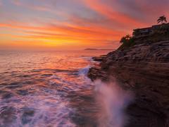 A Tropical Splash (rayman102) Tags: sunset seascape landscape hawaii oahu coastal hawaiikai portlock eastoahu watermotion chinawalls spittingcave 5dmarkii 24mm14lii vision:sunset=0922 vision:outdoor=0805 vision:clouds=0952 vision:sky=0944 vision:ocean=0621 dianmondheadcrater