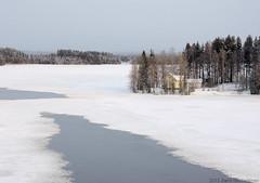 Ahveninen - Finland (s.niemelainen) Tags: winter lake snow ice nature suomi finland landscape frozen north eno northern lumi talvi maisema joensuu luonto jrvi j karjala carelia pielinen ahveninen pohjois vision:car=0511 vision:sky=08 vision:clouds=0565 vision:outdoor=0969