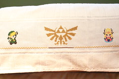 Zelda - Cross stitch (harumi1206) Tags: punto video cross geek stitch handmade towel games cruz link zelda toalha 16 ponto bits bordado toalla