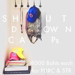 สินค้าใหม่ หมวก #ShutdownBangkokCap ราคา 300 บาท รอสอยได้ในวันอาทิตย์ที่ 26 มกราคม 2556 นี้ สถานที่ และเวลาจำหน่ายจะแจ้งให้ทราบอีกครั้งนึง จึงเรียนมาเพื่อทราบเพื่อเตรียมตัว ขออภัยไม่รับจอง มาซื้อได้ที่ชุมนุมเลยนะครัช *** รายได้ทั้งหมดมอบให้ กปปส และ คปท เ