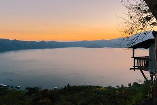 Dusk Lago Coapeteque