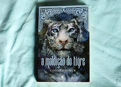 (laranuness) Tags: azul book livro tigre amaldiodotigre