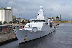 HNLMS Holland P840 - Offshore Patrol Vessel : Leith Docks (jambox998) Tags: holland netherlands dutch port dock offshore military navy royal vessel forth leith operation ports patrol ops hnlms p840