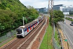 MTR - East Rail Line E4, Chinese University of Hong Kong (Howard_Pulling) Tags: camera train hongkong photo nikon photos picture zug trains april bahn mtr 2016 howardpulling d5100