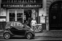 Mammalina Ristorante Italiano, Paris, 2015 (KSWest) Tags: street travel blackandwhite white black paris france smart car nik fra 2015 kswest stevenwest copyright2015 stevewest