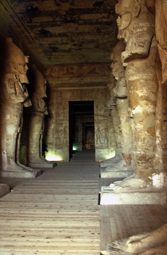 "Ägypten 1999 (099) Assuan: Im Großen Tempel von Abu Simbel • <a style=""font-size:0.8em;"" href=""http://www.flickr.com/photos/69570948@N04/27399543865/"" target=""_blank"">View on Flickr</a>"