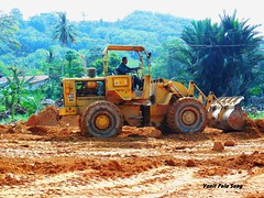 Caterpillar 930 (vanitpelasung) Tags: wheel machine caterpillar dirt malaysia land loader earthmover tanah merah kelantan