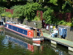 Clothes Drying (Thomas Kelly 48) Tags: lumix leicester panasonic narrowboat canalboat riversoar fz150 leicesterriverfestival