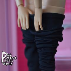 Barbie Made to Move joints 2/7 (pinkperfectplasticworld) Tags: djy08 barbie pink perfect plastic world int jour day nikon doll dolls poupe poupes puppen bambole poppen bonecas dockor nuket dukker blue top fitness bambi made move mtm 2015 mueca muecas mattel 16 sport  teresa