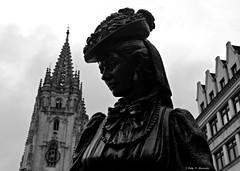 Oviedo, Asturias, Espaa (Caty V. mazarias antoranz) Tags: asturias oviedo botero catedraldeoviedo laregente montenaranco principadodeasturias labellalola turismoenoviedo