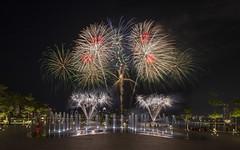 NDP 2016 Combined Rehearsal 1 - Fireworks, Singapore (gintks) Tags: singapore fireworks celebration nationaldayparade kallangriver exploresingapore singaporetourismboard sportshub kallangwave yoursingapore year2016 gintks gintaygintks nationaldayparade2016