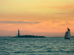 Big Apple Sunset (rw260) Tags: sunset summer usa newyork statue liberty estate batterypark bigapple 2007