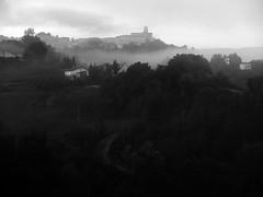 Baranello (aniello.intartaglia) Tags: bw nuvole nuvola nebbia bianco nero biancoenero collina bosco molise boschi aniello baranello aniellointartaglia aniiellointartaglia intartaglia