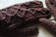 tridactyl variation (distelfliege) Tags: knitting knit gloves cables stricken