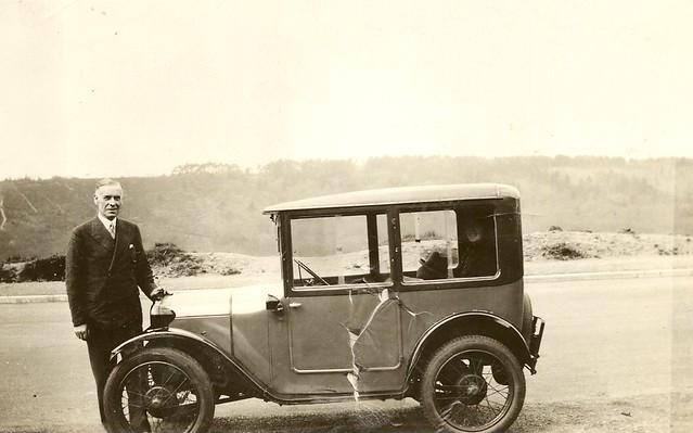 Grandpa_Tompsett_s_Austin_Seven_c_1937_with_Nell_in_the_back