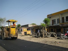 Lohar_Building_roads