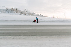 26 January, 12.32 (Ti.mo) Tags: road winter people snow sport norway transport january selected f56 spark sledge finnmark kirkenes 2014 iso160 0ev secatf56 ef24mmf14liiusm