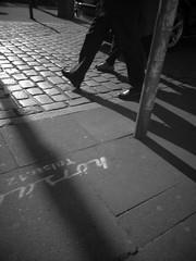 St.Pauli - Spielbudenplatz (chicitoloco) Tags: street streets hamburg walkabout asphalt stpauli bitumen reeperbahn kastanienallee spielbudenplatz bernhardnochtstrasse taubenstrase chicitoloco