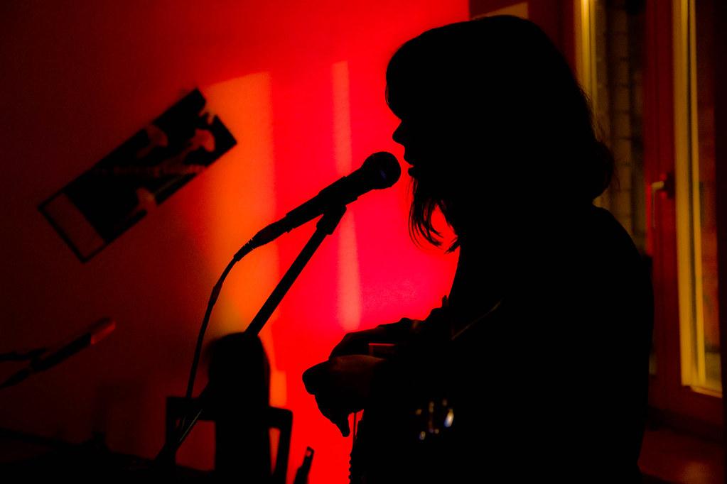 Entertainment For The Braindead Pop Universell Tags Concert Live Leipzig Singersongwriter Livingroomconcert Wohnzimmerkonzert