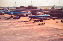 IMG_7623 (Iemand91) Tags: dutch amsterdam airport royal scan 1994 klm douglas airlines slides schiphol 90s 737 md11 mcdonnell trijet luchthaven 737400 a310 digitize a310200 phkcb phbtb phagc