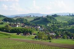 Ratsch an der Weinstrasse, Südsteirische Weinstrasse, Austria (Marek Soltysiak) Tags: austria oesterreich steiermark styria sudsteirische weinstrasse wine wein road route ratsch maitz weingut winery