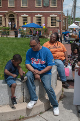 Germantown Second Saturday Festival, May 14, 2016 (Historic Germantown) Tags: germantown philadelphia pennsylvania streetphotography marketsquare historicgermantown candidphotos loveyourpark whyilovephilly tieshkasmith photographywithoutthepretense germantownunitedcdc may142016 gtownfest germantownsecondsaturdays