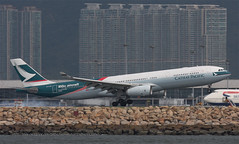 "Airbus, A330-343, B-LAD, ""Cathay Pacific"", VHHH, Hong Kong (Daryl Chapman Photography) Tags: china sky plane canon hongkong fly flying aviation great flight cx special landing daryl ii planes airbus 100th arrival dslr departure hkg a330 sar chapman clk planespotting cheklapkok cpa hkia 855 a333 commercialaviation 100400l civilaviation hongkonginternationalairport 40d vhhh 25r a330343 aviationnut hongkongspotters"