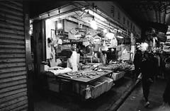 Wan Chai Market - Hong Kong (waex99) Tags: street leica color film asia asians market kodak chinese 03 hong kong epson wan m6 familly chai m4 50mmf14 ektar 2016 v500 35mmf28 21mmf4