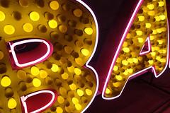 BA 02407 (Omar Omar) Tags: california lighting ca usa america lights neon glendale mona bbq muse electricity museo electricidad lumieres barbq barbacoa californie badspelling usofa elektro mispelling museumofneonart glendaleca glendalecalifornia focos electricit bombillas notlosangeles muzeo malaortografa artedeneon artesdeneon